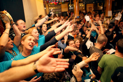 Loss mer singe mit Publikum