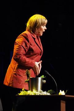 Stunksitzung 2016/2017 Anne Rixmann ist Angela Merkel